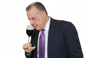 murray-with-wine